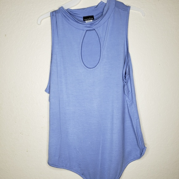 Zenobia Tops - Zenobia Keyhole Light Blue Sleeveless Bodysuit